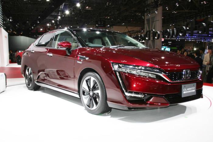 Honda Clarity: исключительно водородное топливо.