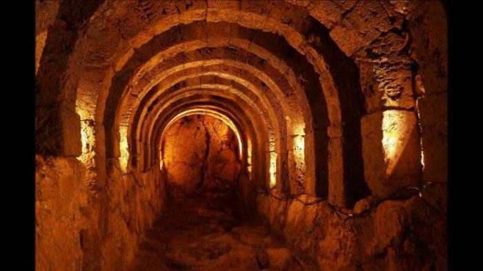 Пещера Сивиллы.