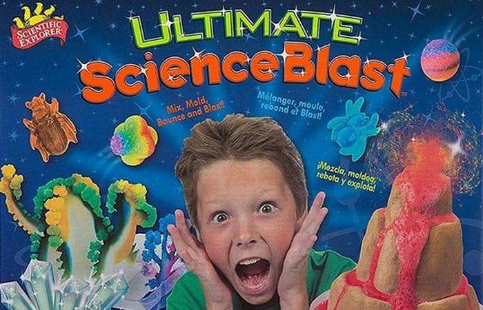 Набор юного ученого Scientific Explorer Ultimate Science Blast.