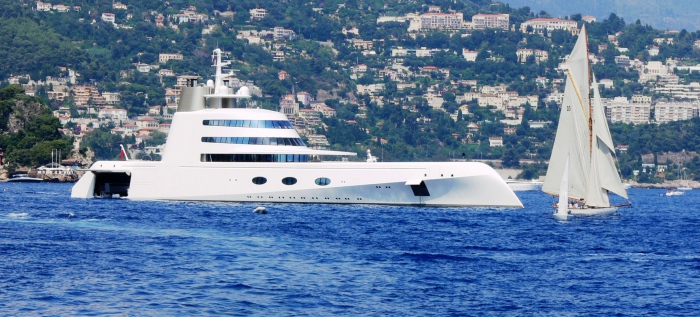 Motor Yacht A: знай наших!