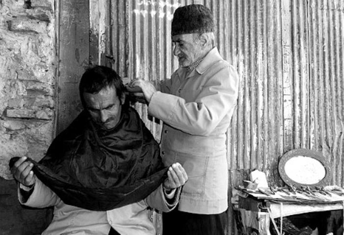 В иранской парикмахерской.