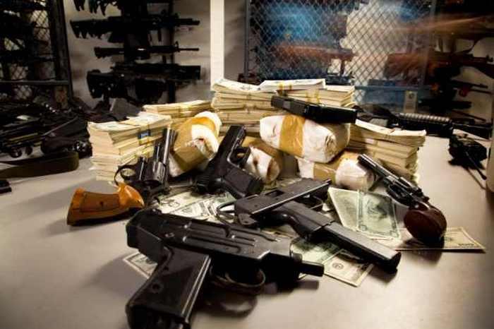 Антигуа: торговля оружием.