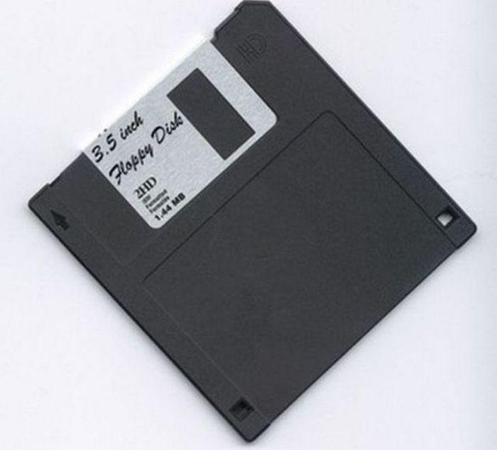 Компьютерная дискета.