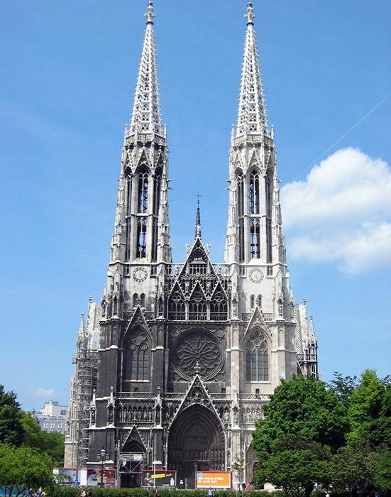 Храм Римско-католической церкви Вотивкирхе в Вене