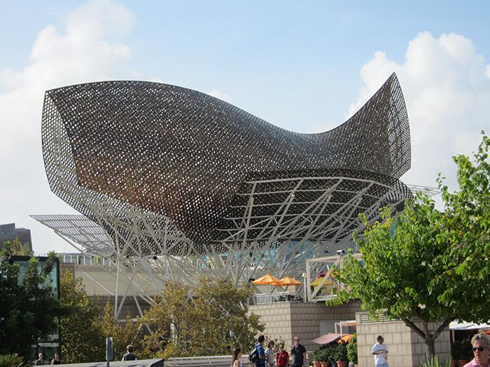 Олимпийский павильон «Рыба» в Барселоне, Испания