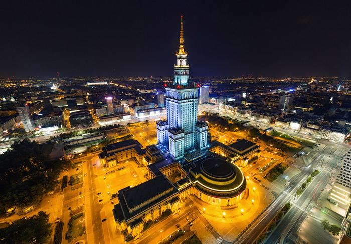 Дворец культуры и науки в Варшаве с высоты птичьего полета