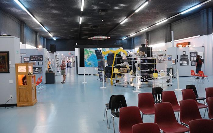 Музей и исследовательский центр НЛО в Розуэлле, США: интерьер помещений
