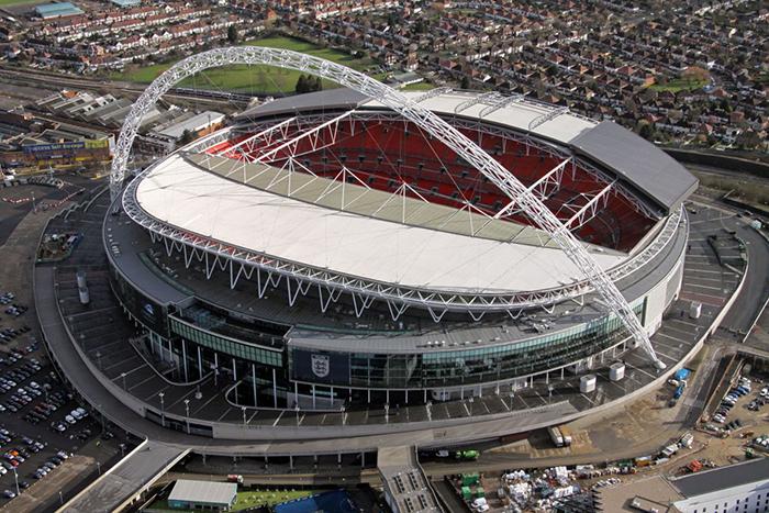 Новый стадион «Уэмбли» в Лондоне с высоты птичьего полета