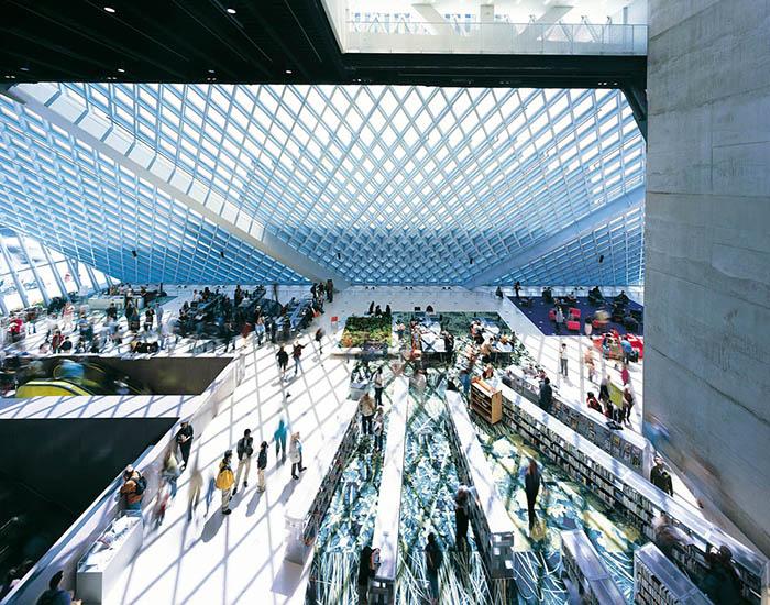 Центральная библиотека в Сиэтле, США: интерьер помещения
