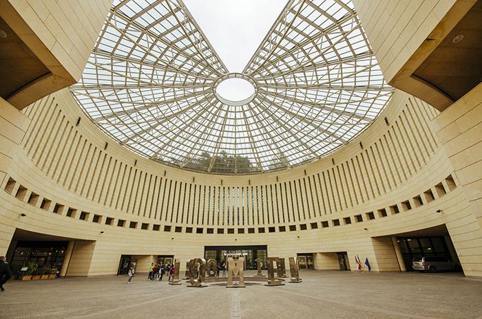 Музей современного искусства в Роверето: интерьер помещения