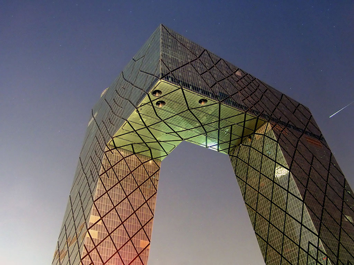 Штаб-квартира Центрального китайского телевидения CCTV в Пекине: ночной кадр