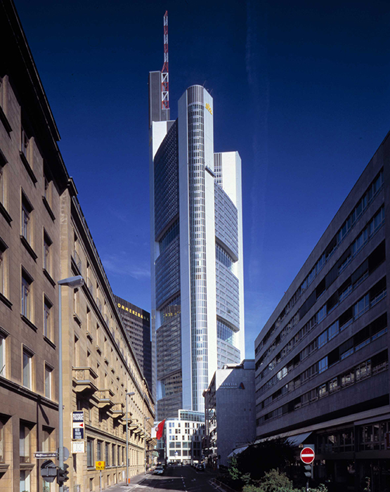 Штаб-квартира банка «Коммерц-Банк» во Франкфурте-на-Майне