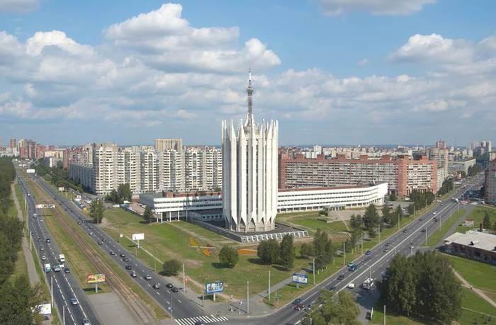 Здание ЦНИИ Робототехники и Технической Кибернетики в Санкт-Петербурге с высоты птичьего полета