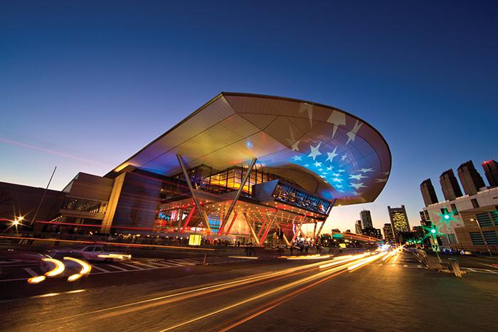 Выставочный комплекс и конгресс-центр в Бостоне: ночной кадр