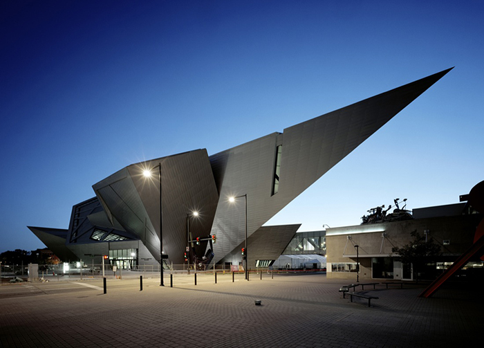 Музей искусств в Денвере вечером