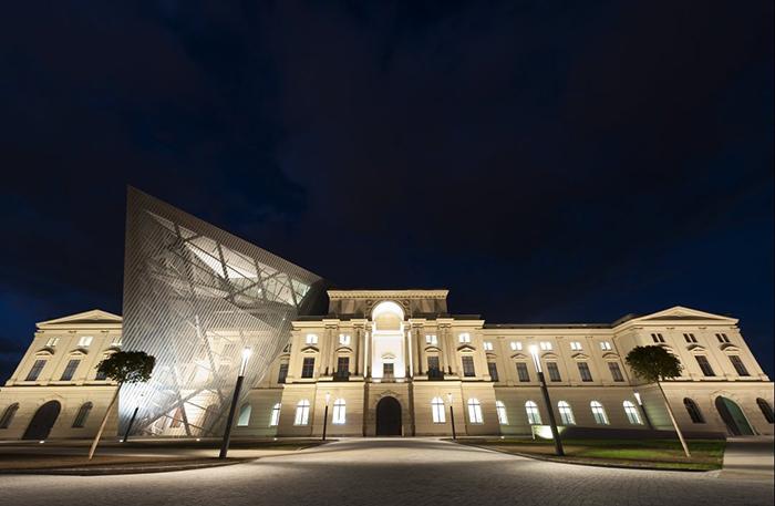 Военно-исторический музей в Дрездене: ночной кадр