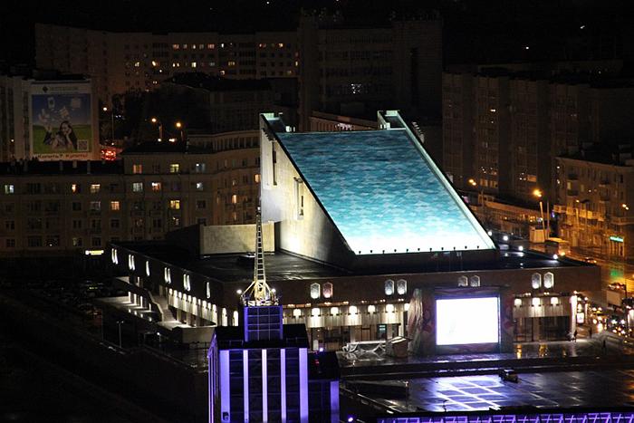 Татарский академический театр имени Галиаскара Камала: ночной кадр
