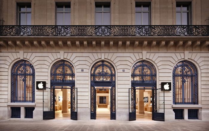Магазин Apple в комплексе Опера в Париже