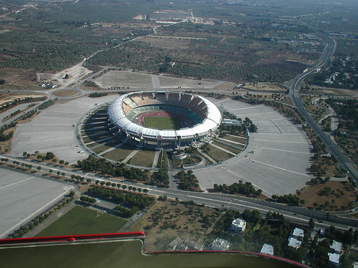 Стадион «Сан-Никола» в Бари с высоты птичьего полета