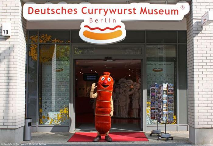 Музей жареных сарделек с соусом Карривурст в Берлине, Германия