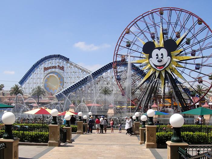 Тематический парк развлечений Disney California Adventure Park в Анахайме, США