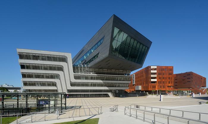 Библиотека и учебный центр экономического университета в Вене