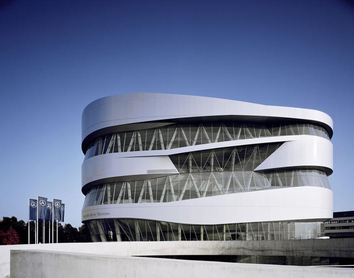Музей Mercedes-Benz в Штутгарте, Германия