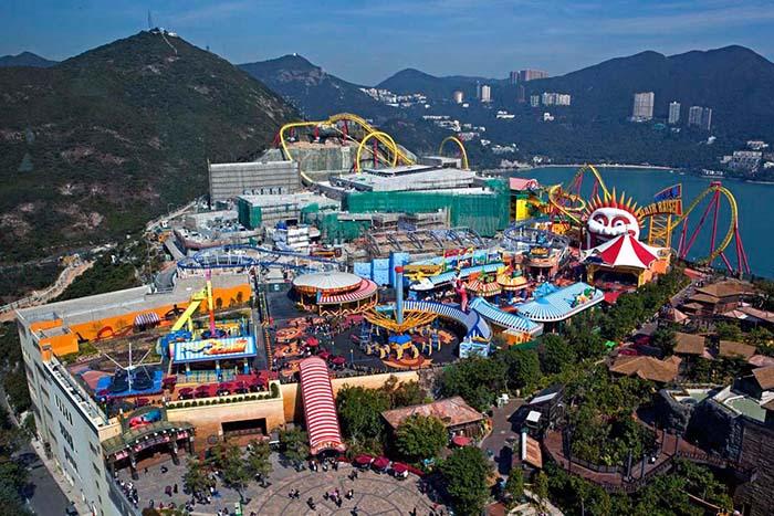 Океанический Парк в Гонконге с высоты птичьего полета