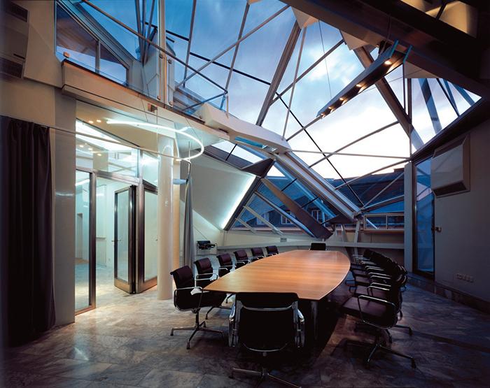 Офис на крыше на Фолькенштрассе в Вене, Австрия: интерьер помещения