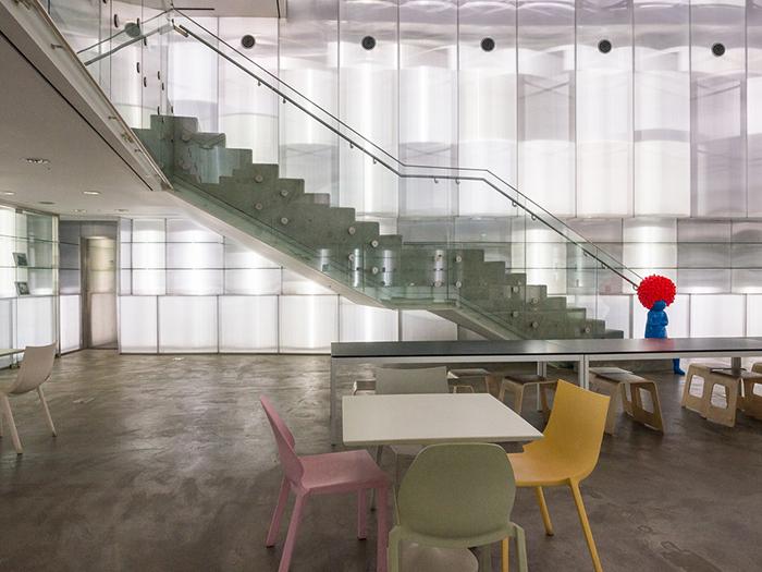 Музей искусств национального университета в Сеуле, Южная Корея: интерьер помещения