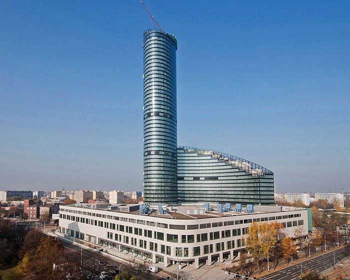 Многофункциональный комплекс «Небесная башня» во Вроцлаве: с высоты птичьего полета