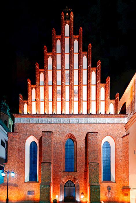 Собор Святого Иоанна Крестителя в Варшаве: ночной кадр