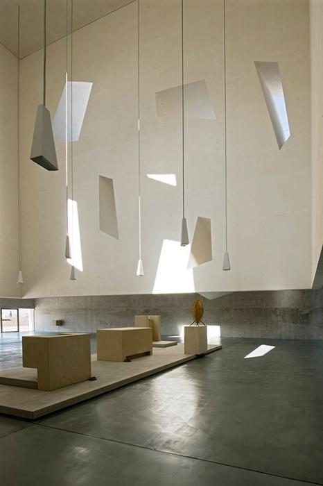 Церковь Апостола Павла в Фолиньо: интерьер помещения