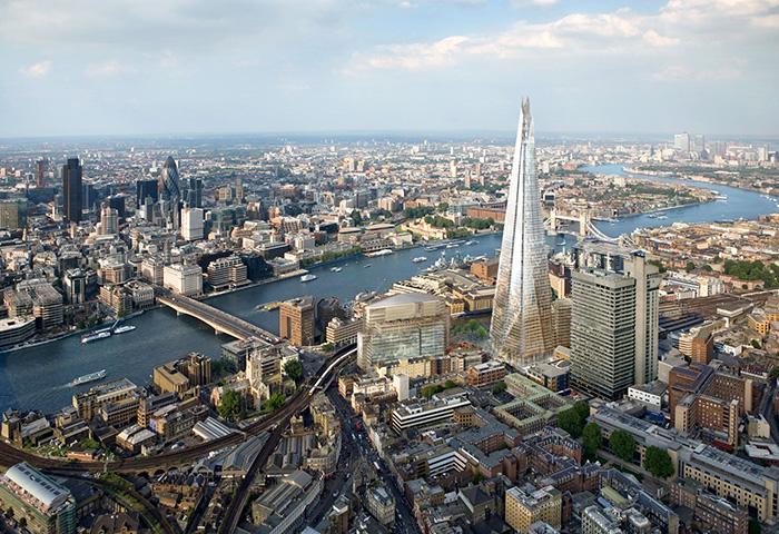 Небоскреб «Шард» в Лондоне с высоты птичьего полета