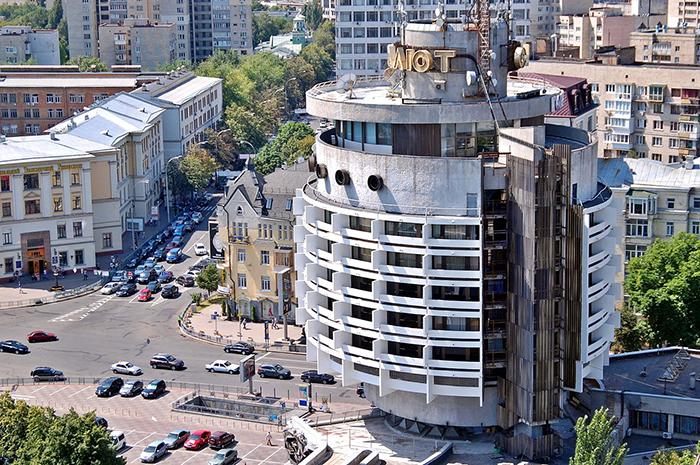 Гостиница «Салют» в Киеве с высоты птичьего полета
