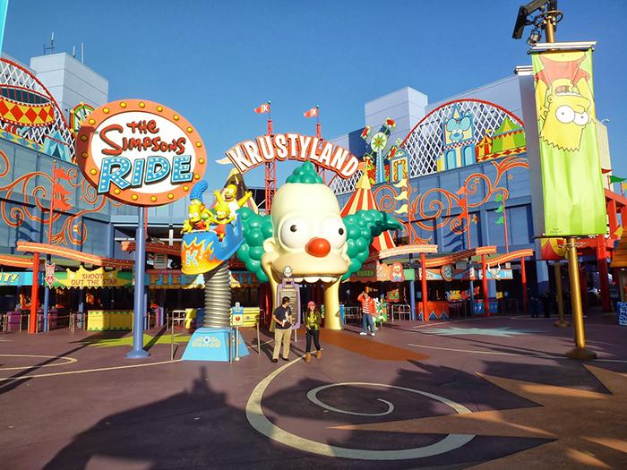 Парк развлечений «Юниверсал Студиос Голливуд» в Лос-Анджелесе, США