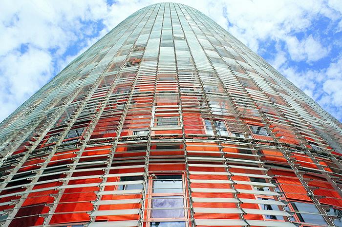 Небоскреб Agbar Tower в Барселоне:  фрагмент главного фасада