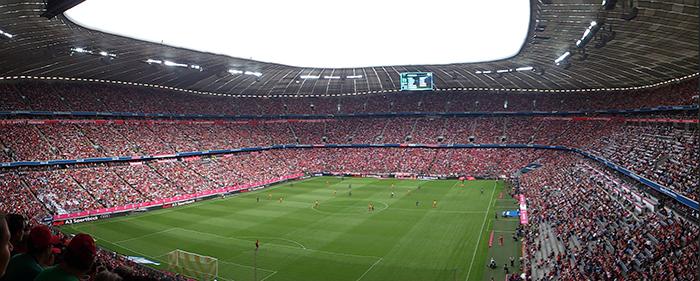 Футбольный стадион «Альянц Арена» в Мюнхене: вид с трибун