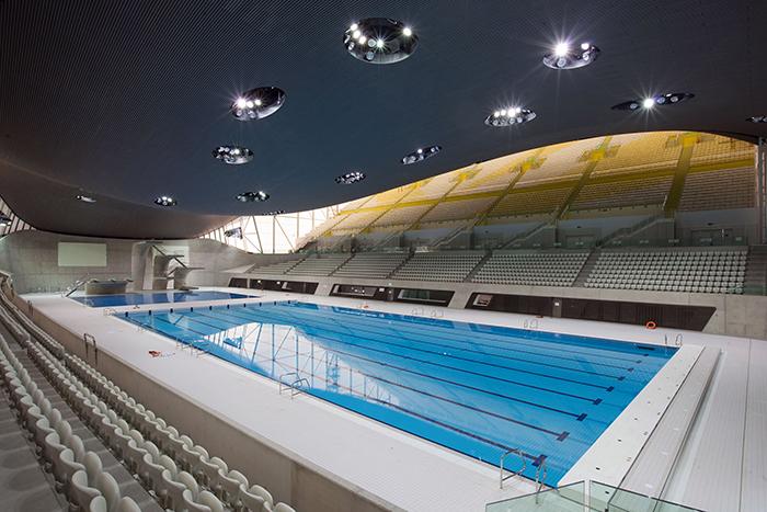 Центр водных видов спорта в Лондоне: интерьер зала