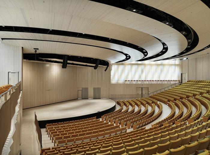 Конференц-центр Aula Medica в Стокгольме, Швеция: интерьер зала