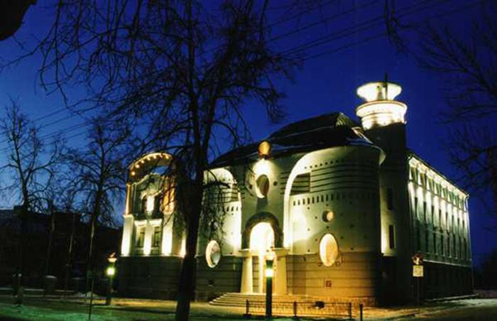 Здание Нижегородского филиала «Саров Бизнес Банка»: ночной кадр