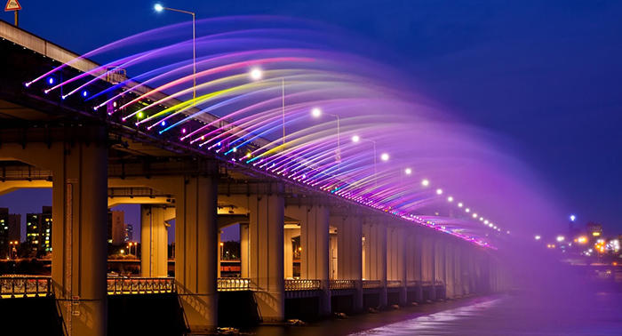 Мост 'Фонтан радуги' в Сеуле