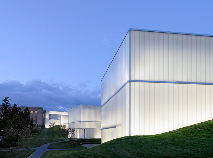 «Корпус Блока» в музее искусств Нельсона-Эткинса в Канзас-Сити, США