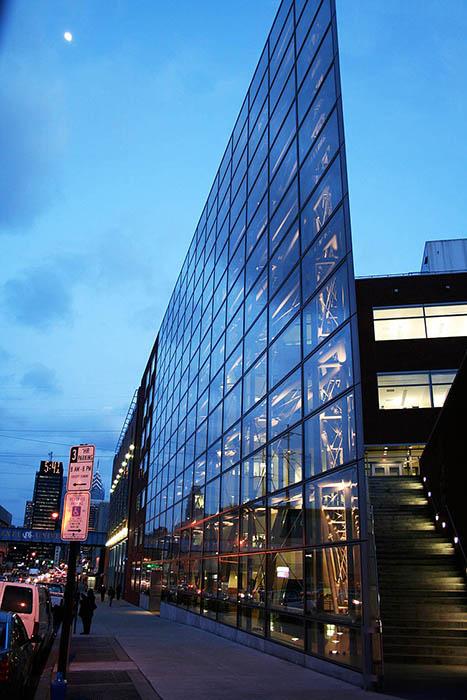 Исследовательский центр Боссона: ночной кадр