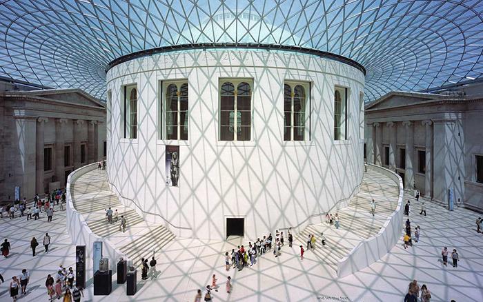 Перекрытие-оболочка двора Британского музея в Лондоне