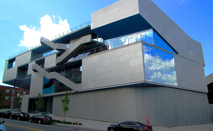 Спортивный центр Кэмпбелла Колумбийского университета в Нью-Йорке, США