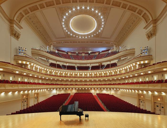 """Concert Hall """"Carnegie Hall"""", em Nova York: interior do salão"""