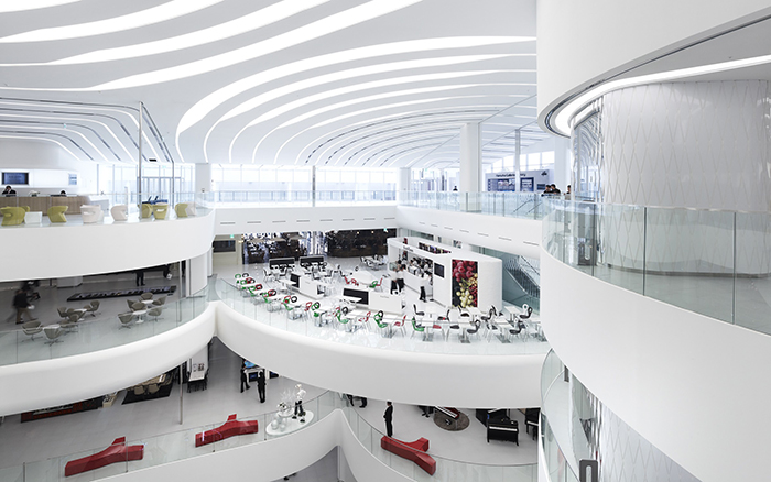 Современный корпус галереи Centercity в Чхонане: интерьер помещения