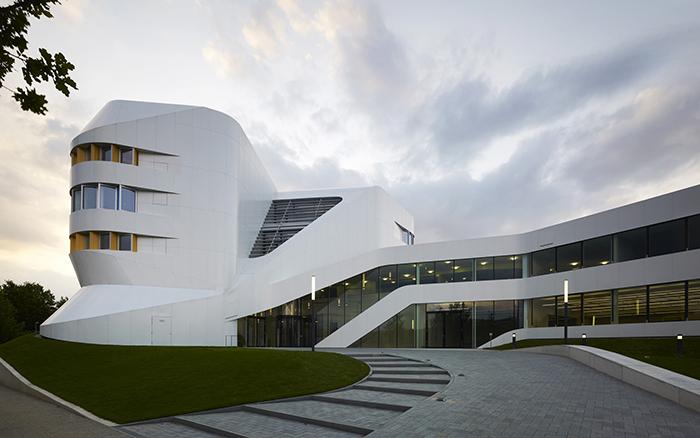 Центр виртуального инжиниринга в Штутгарте