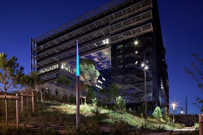 Будівля міської ради в Монпельє: нічний кадр